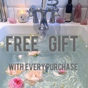 FREE GIFT W PURCHASE